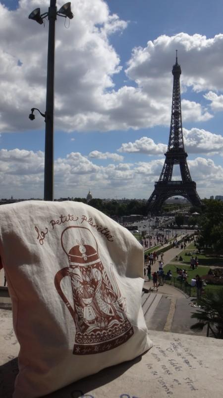 La Bolsa Viajera descansa en Trocadero